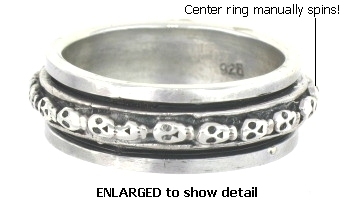 Model AR0076 Skull Spinner Ring